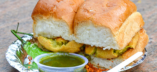 Vada Paav By Planetvyom - Own work, CC BY-SA 4.0, https://commons.wikimedia.org/w/index.php?curid=40700956